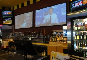 Long Island Blogger: Buffalo Wild Wings Grill & Bar