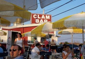 Long Island Blogger: Clam Bar at Napeague -  A Stand With Really Good Seafood